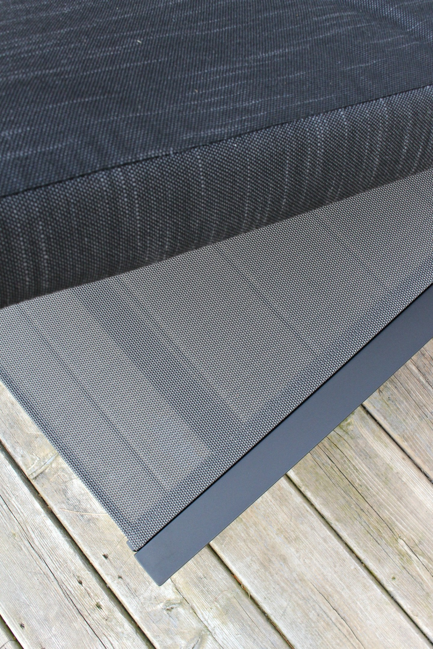 Patio lounger with mesh and foam cushion