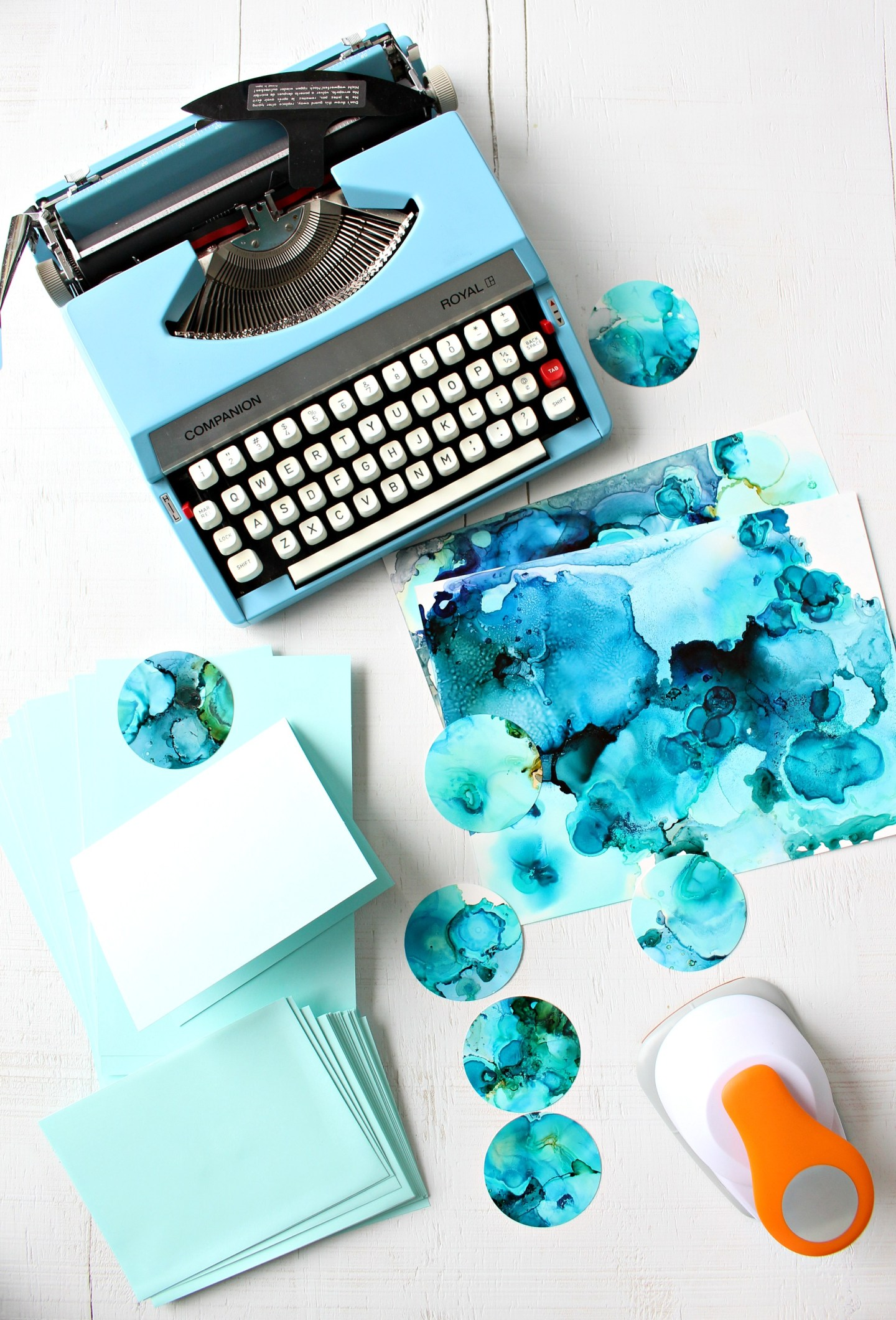 Make Handmade Holiday Cards with Alcohol Inks and a Retro Typewriter