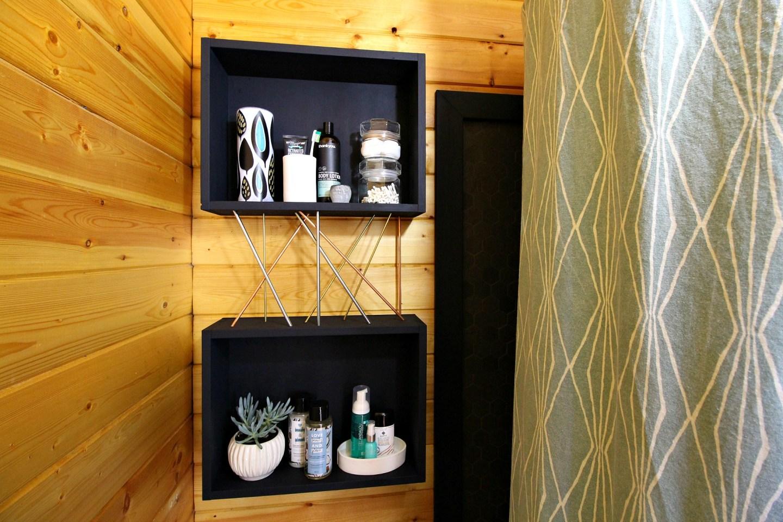 DIY Wood Storage Cubbies with Mid-Century Modern Inspired Metal Details #diy #diystorage #diywoodworking #bunkiebathroom
