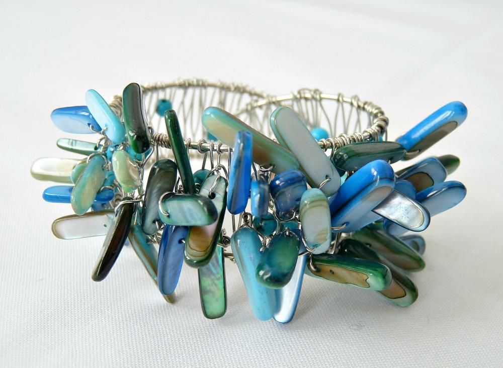 DIY Beaded Napkin Ring | 15 Beautiful Handmade Mother's Day Gift Ideas