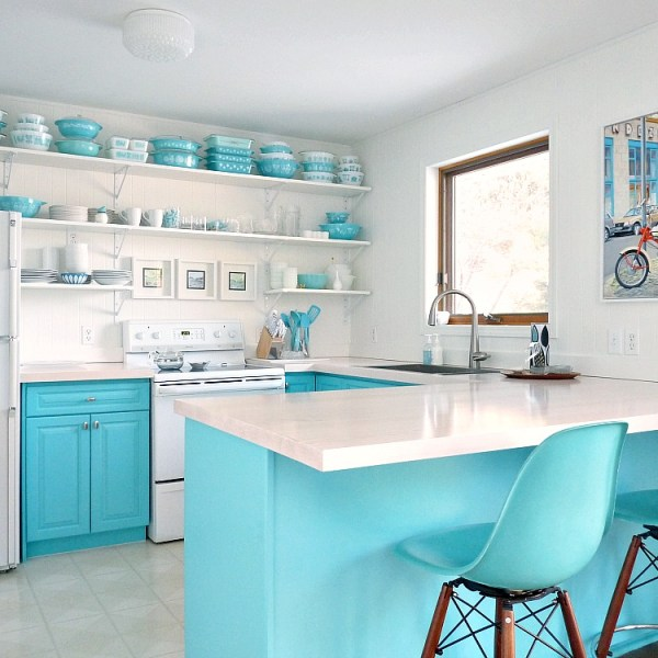 BUDGET-FRIENDLY TURQUOISE KITCHEN MAKEOVER