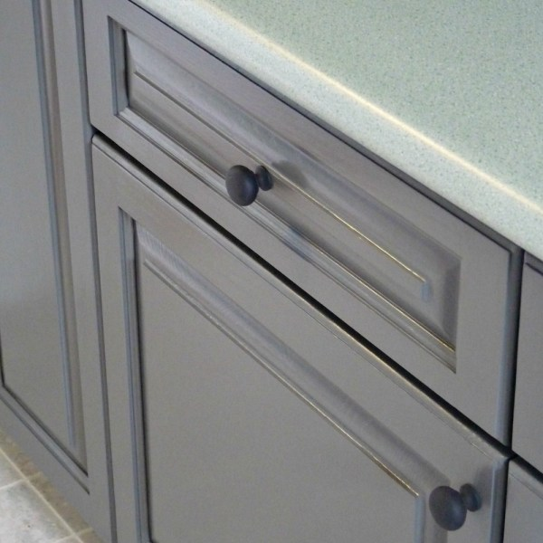 RUST-OLEUM TRANSFORMATIONS REFINISHED CABINETS