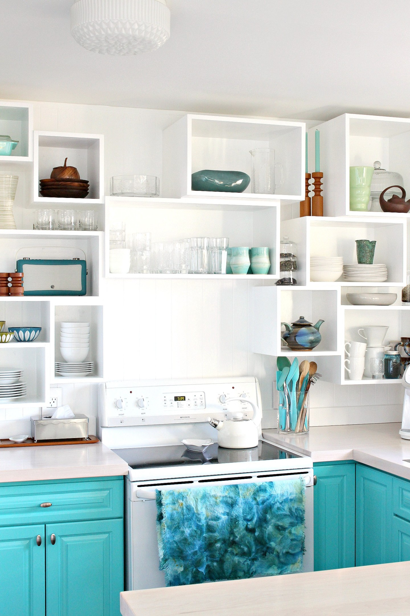 How to Build Wall Cubbies   Fresh Take on Kitchen Open Shelving #colorfulkitchen #turquoise #vintagestyle #vintagedecor