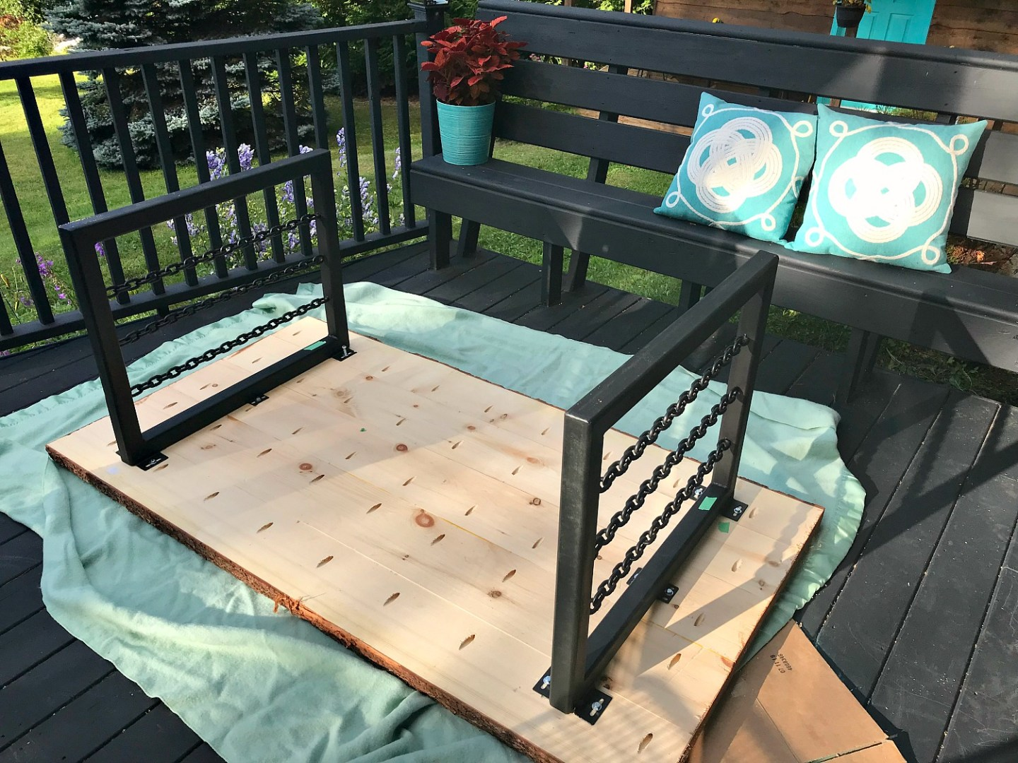 DIY Live Edge Patio Table with DIY Welded Chain Legs