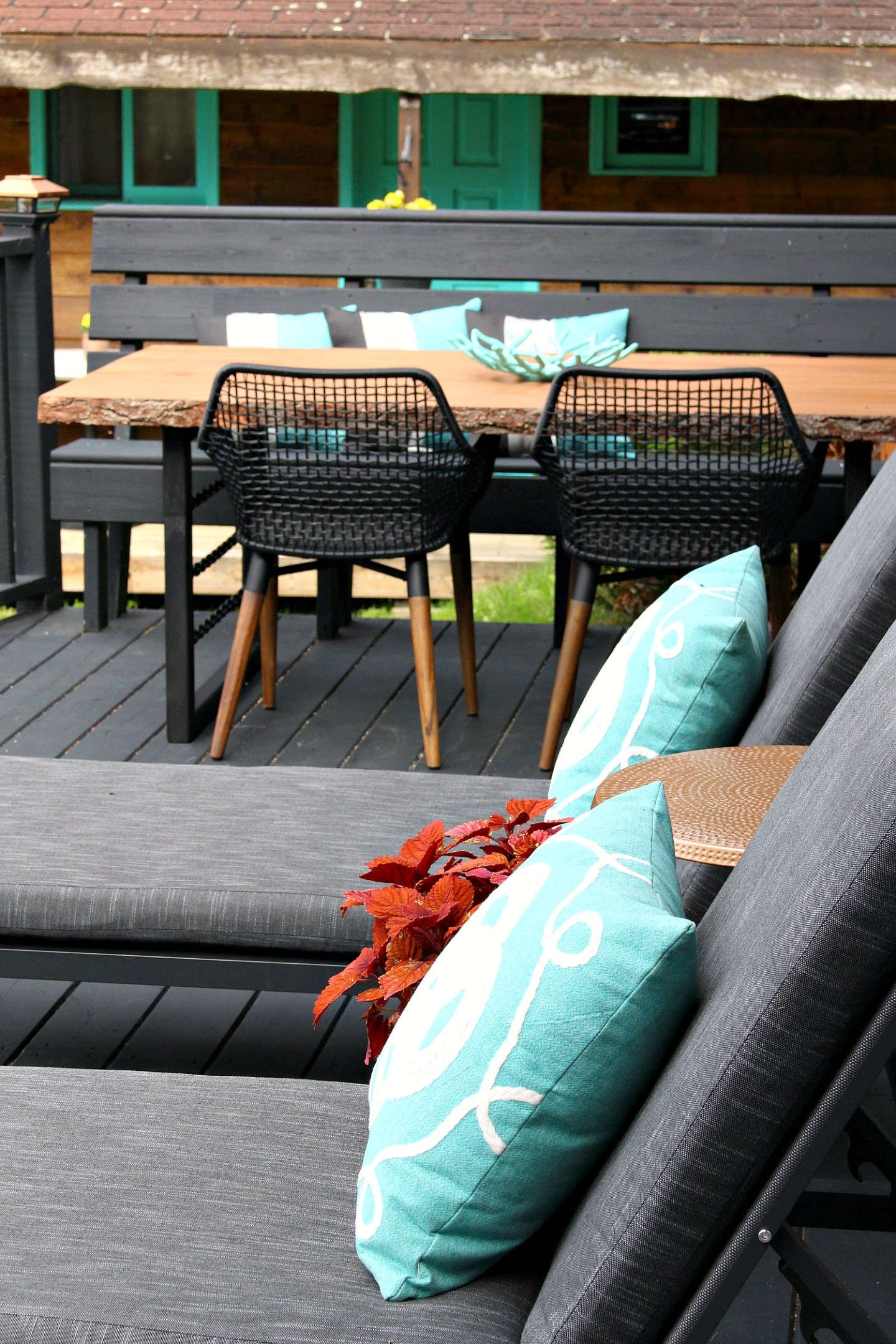 DIY Live Edge Table with DIY Welded Chain Legs | Dark and Moody Rustic Modern Patio Decor