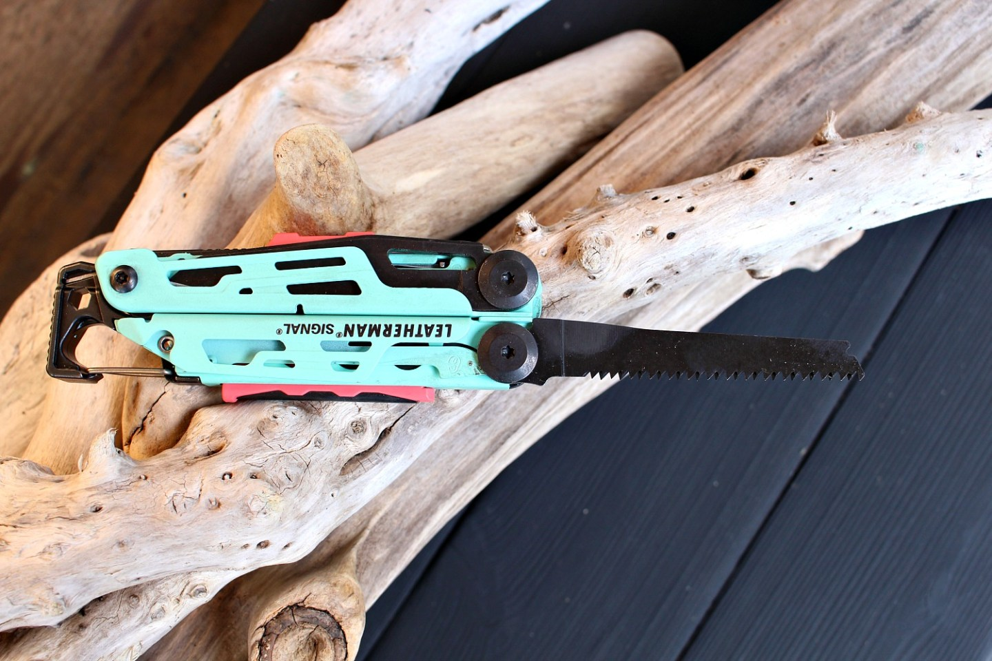 Multi Tool with Saw