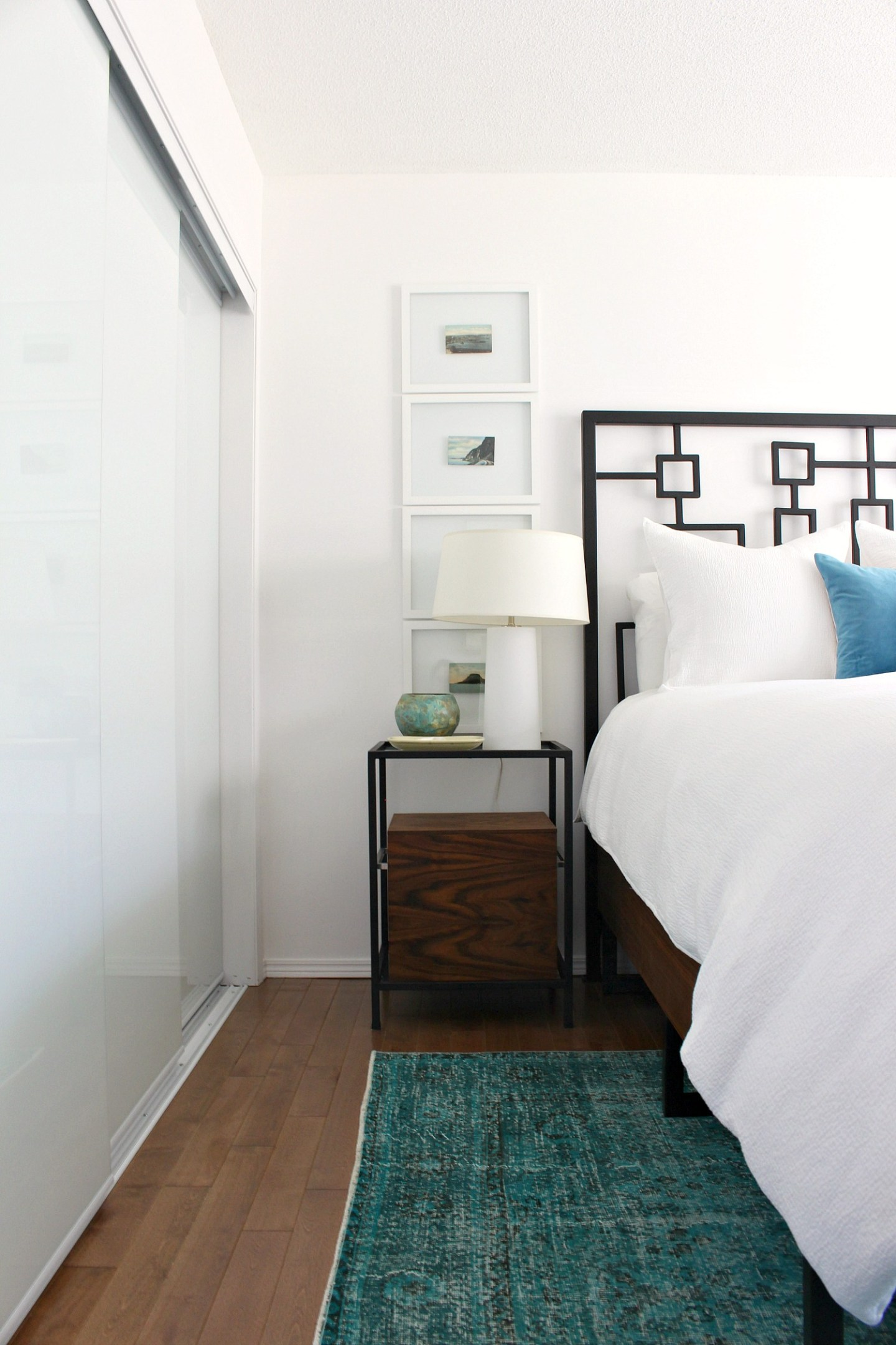 Choosing a Rug for Small Bedroom