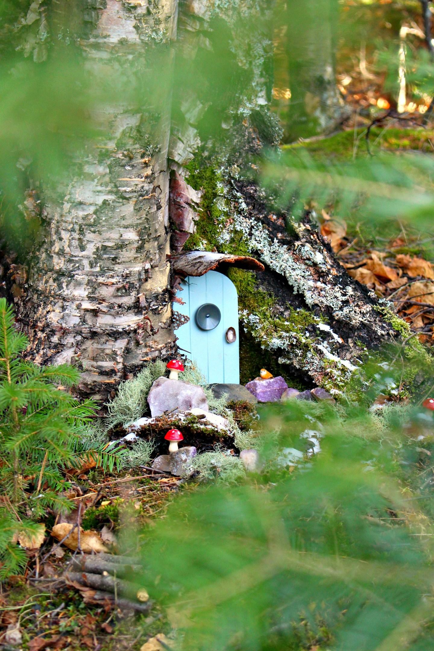 DIY Elf House on a Tree