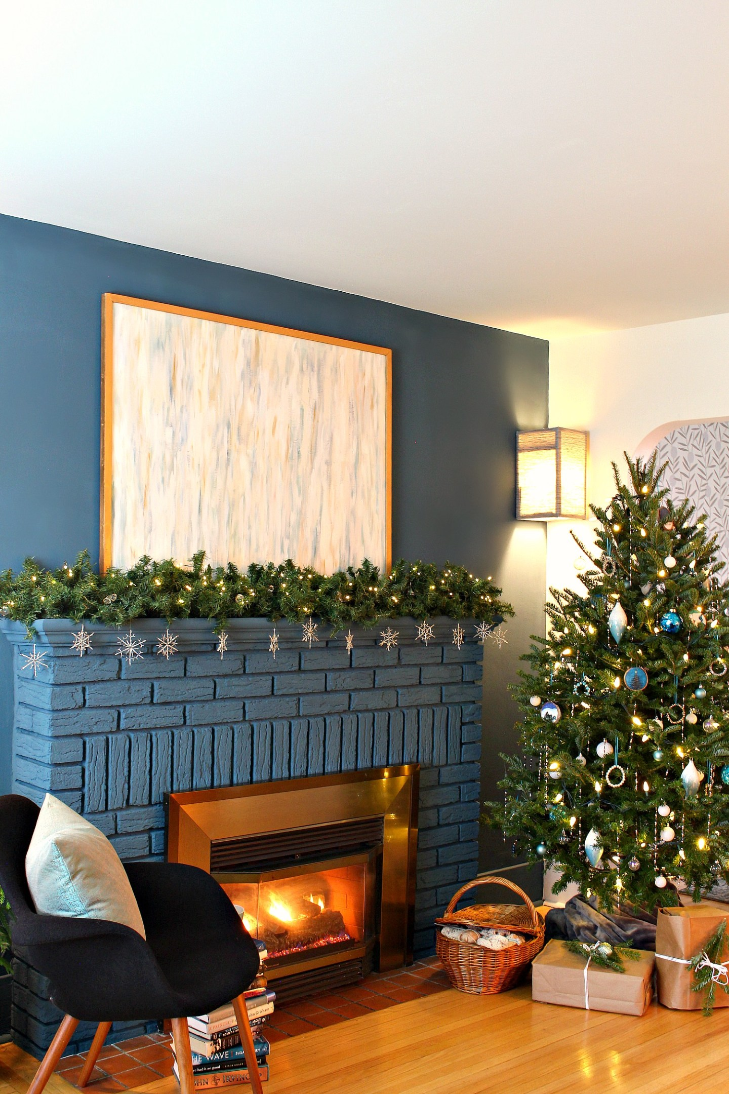 Cottage Inspired Christmas Tree