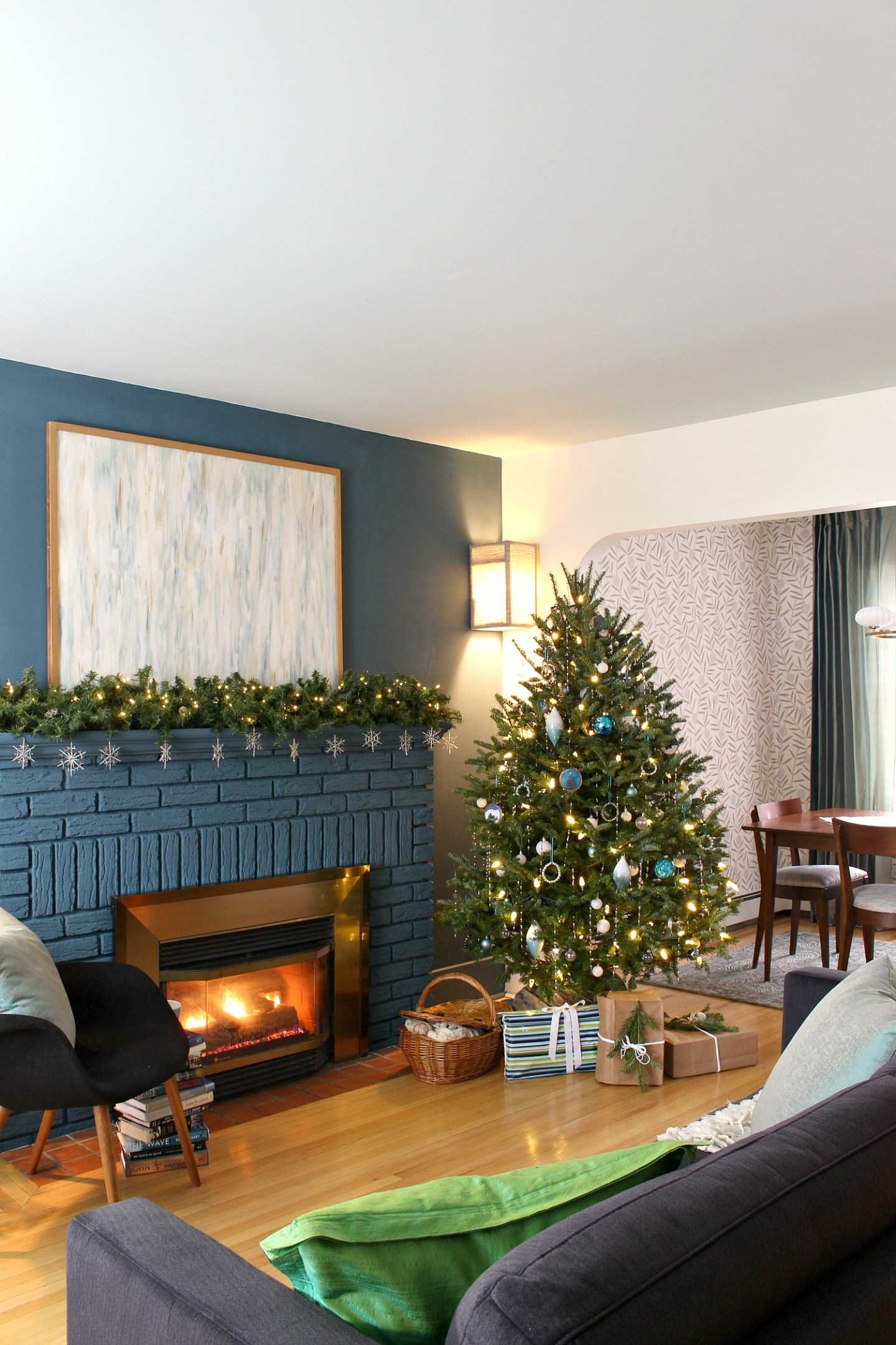 Teal and White Christmas Decorating Ideas