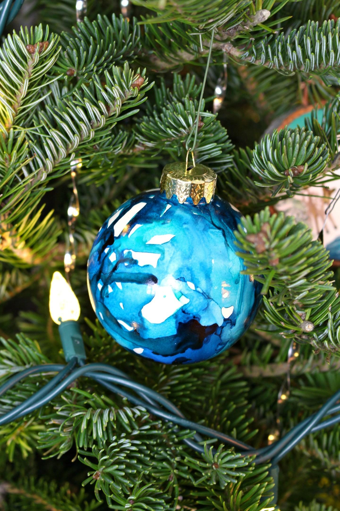 Marbled DIY Ornament Tutorial