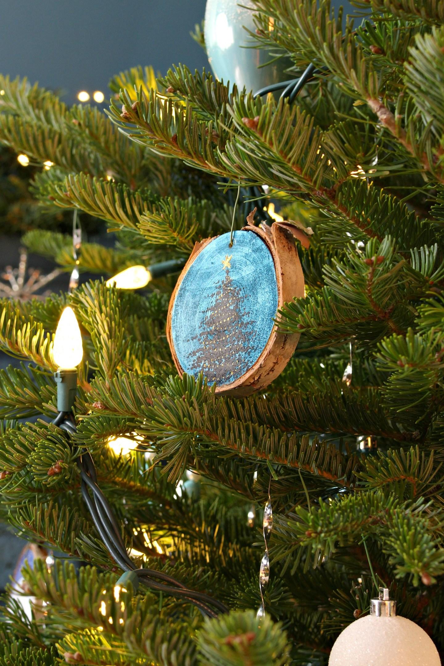 Birch Slice Christmas Tree Ornament DIY