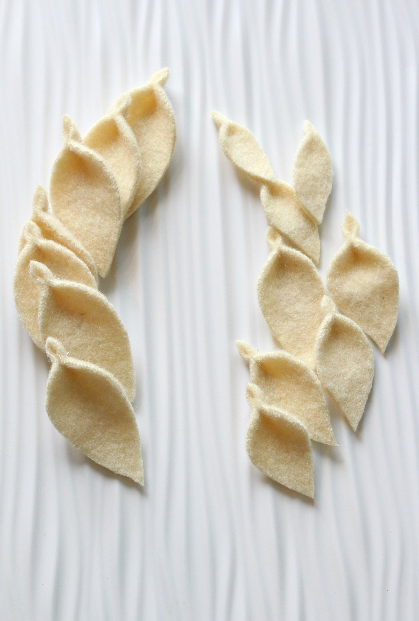 DIY wool felted leaf garland tutorial
