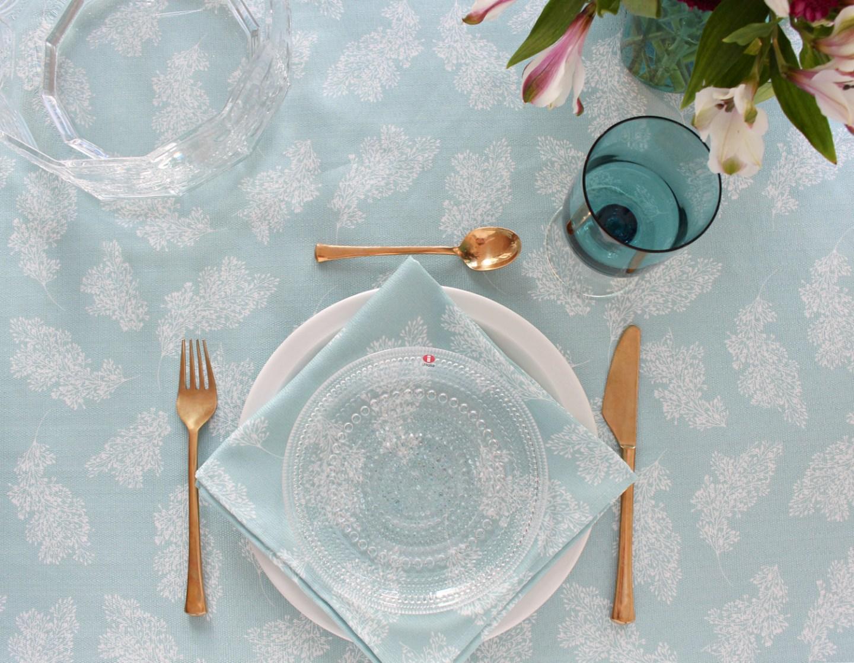 Aqua and Gold Tablescape