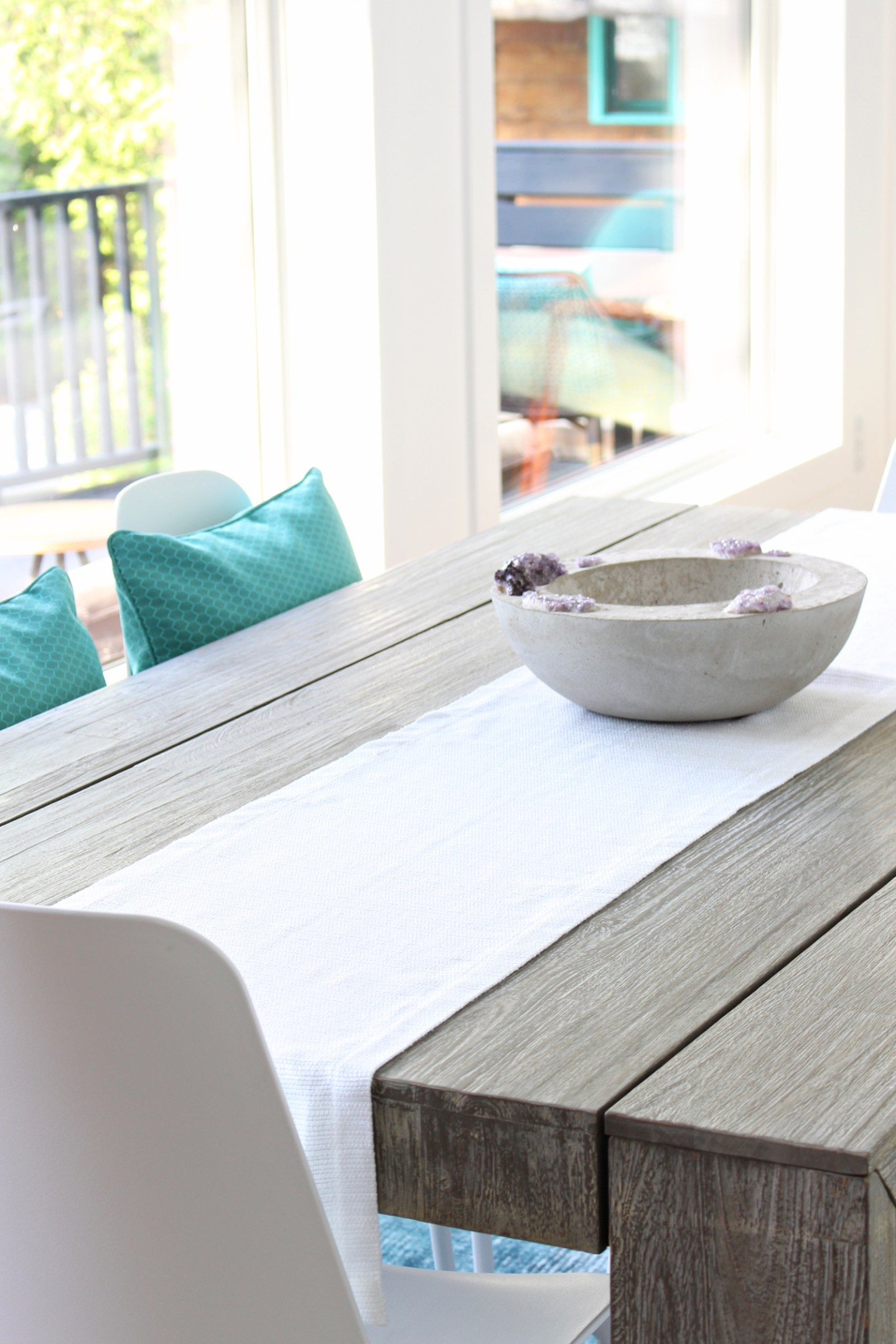 Where to Buy White Table Runners