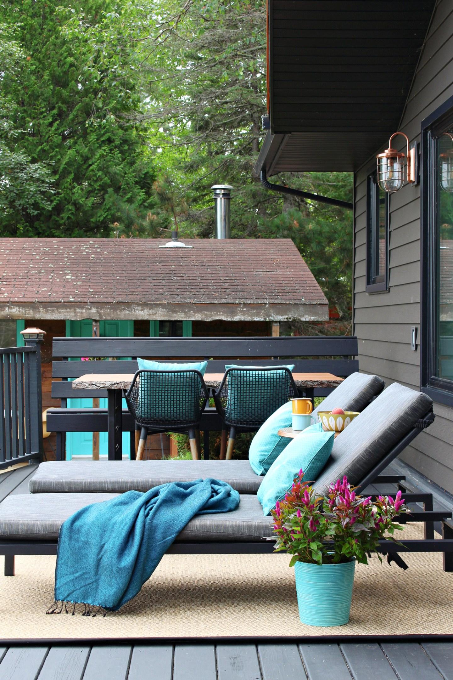 Black Deck with Tan Outdoor Rug