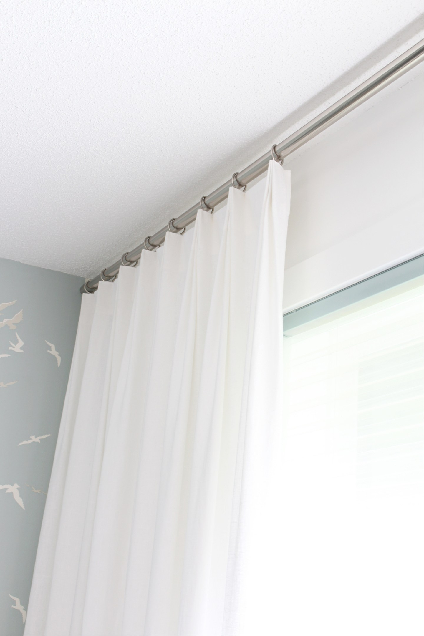 How Do You Sew Euro Pleat Curtains?