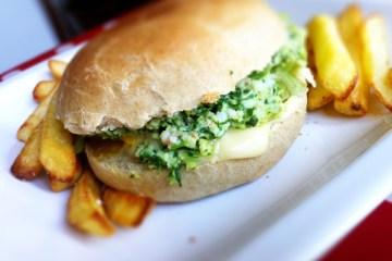 burger crevettes et épinards, pain au lait maison