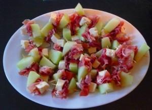 Hors d'oeuvre Proscuito melon mozzarella