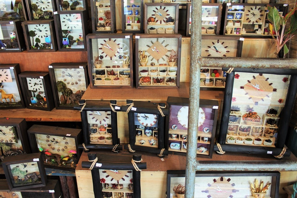 If only I would buy all of these lovely hand-crafted clocks.