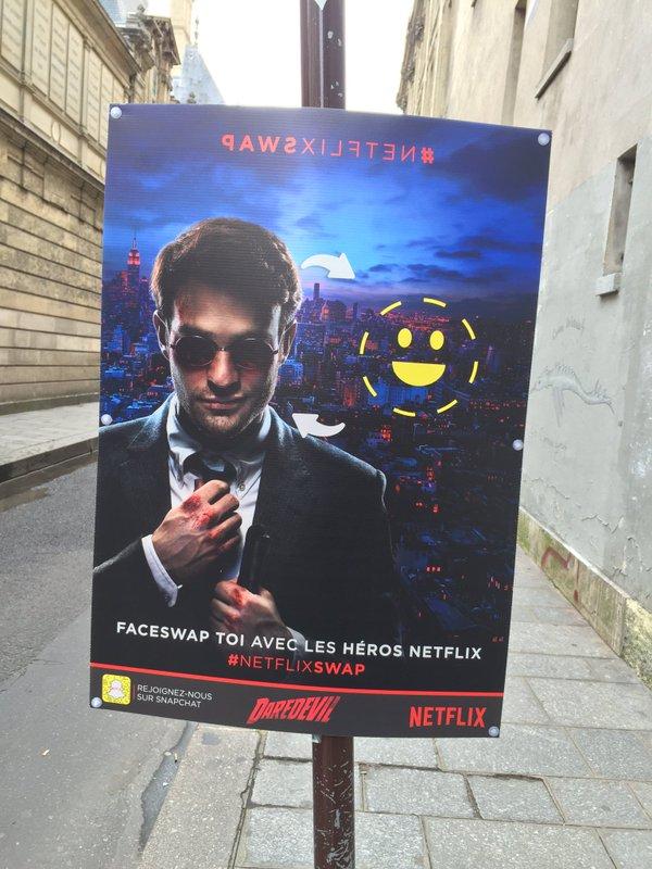 dans-ta-pub-faceswap-snapchat-netflix-darewin-affichage-3