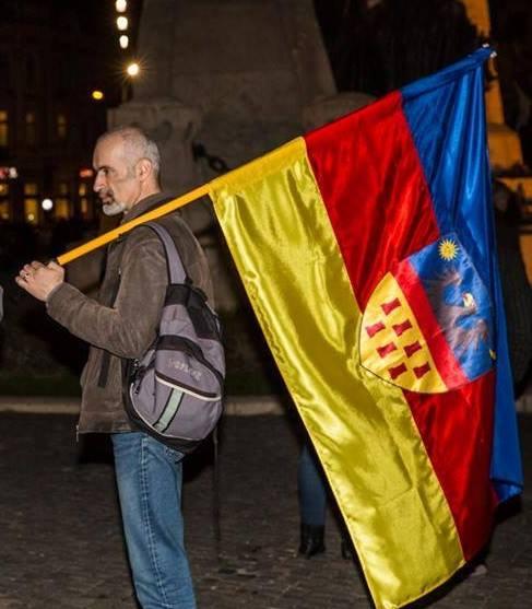https://i2.wp.com/www.dantanasa.ro/wp-content/uploads/2015/02/Vincze-Zolt%C3%A1n-Zoltan-Soltan-steag-transilvania.jpg