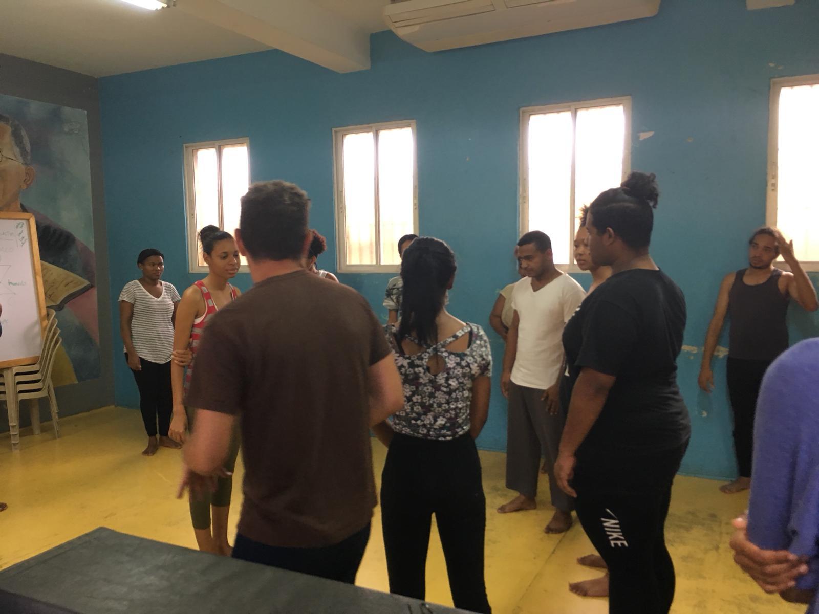 Taller Danza Temperamento con los alumn@s de la universidad de Santo Domingo, UASP.