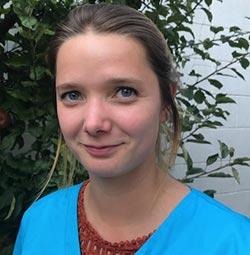 Suzanne Wight - Dierenartsenpraktijk Dwingeloo Appelscha