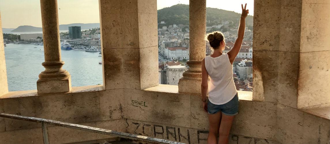 Uitzicht vanuit de klokkentoren van het Paleis van Diocletianus in Split Dalmatie in Kroatie