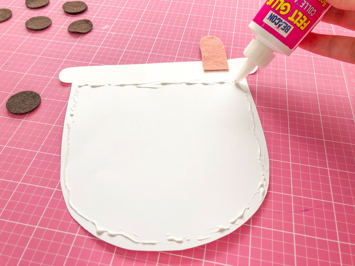 Felt Bubble Tea Banner Tutorial: Glue Bubble Tea shape