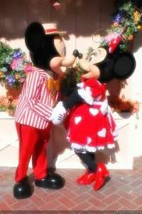 0284_Mickey_Minnie_Valentines_February_11_2013