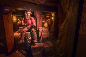 Calico Mine Ride_Square Set Room