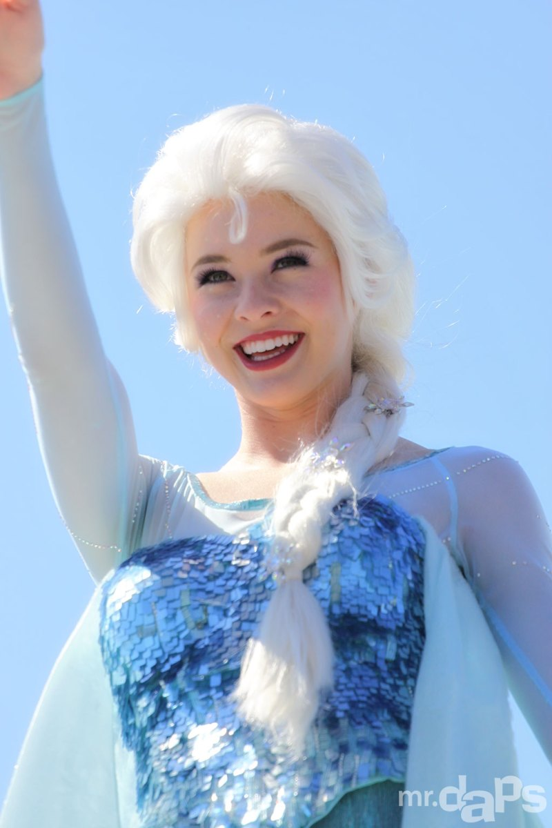Elsa - Frozen Pre-Parade at Disneyland - August 17, 2014