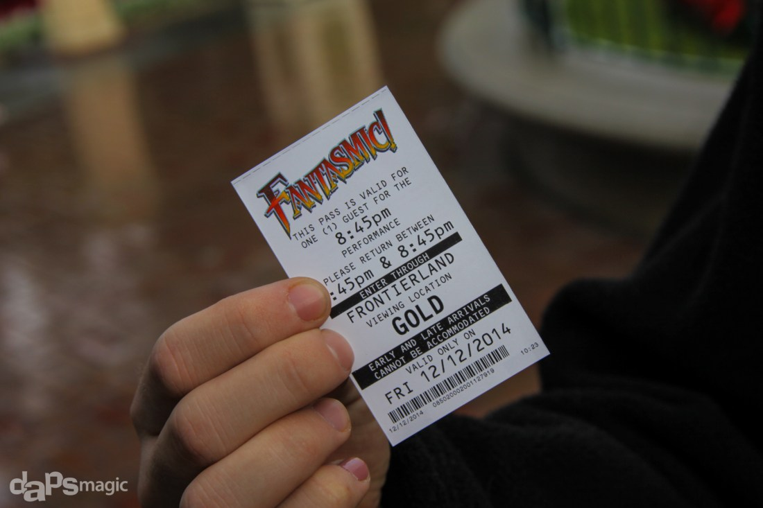 Disneyland's Fantasmic! Fastpass - Gold Section