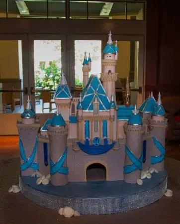 Disneyland Castle Cake (1)