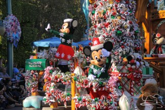 Christmas at Disneyland - November 8, 2015-16