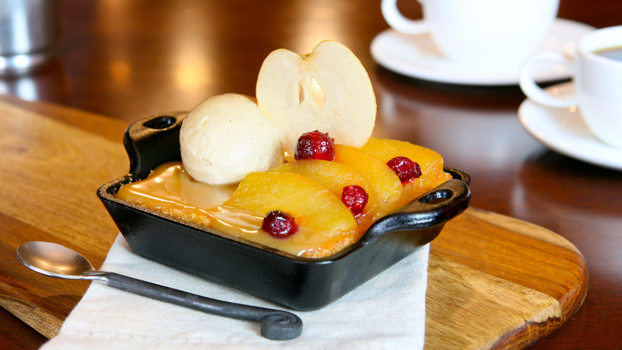 Geek Eats Disney Recipe: Warm Apple Butter Cake - Steakhouse 55 at the Disneyland Resort
