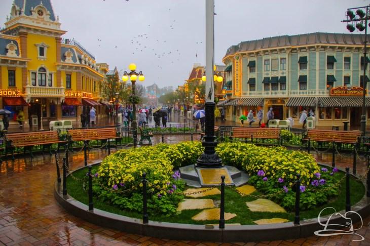 DisneylandResortRainyDay-45