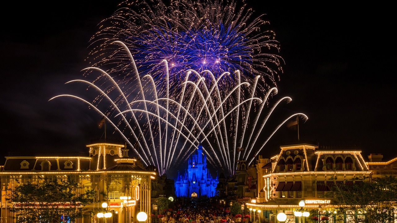 Wishes Nighttime Spectacular Fireworks at Walt Disney World
