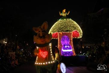 DisneylandMainStreetElectricalParade_45thAnniversary-19