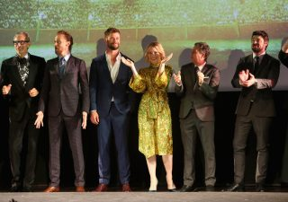 """HOLLYWOOD, CA - OCTOBER 10: (L-R) Actors Jeff Goldblum, Tom Hiddleston, Chris Hemsworth, Cate Blanchett, Mark Ruffalo and Karl Urban at The World Premiere of Marvel Studios' """"Thor: Ragnarok"""" at the El Capitan Theatre on October 10, 2017 in Hollywood, California. (Photo by Jesse Grant/Getty Images for Disney) *** Local Caption *** Jeff Goldblum; Tom Hiddleston; Chris Hemsworth; Cate Blanchett; Mark Ruffalo; Karl Urban"""