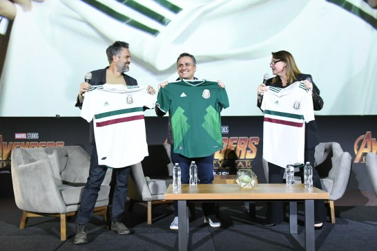 Mark Ruffalo (Bruce Banner/Hulk), Joe Russo (Director), and Victoria Alonso (Executive Producer) attend the Avengers: Infinity War fan event in Mexico City.