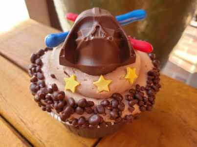 GCH Craftsman Bar & Grill Darth Vader Chocolate Cupcake (with chocolate covered Pop Rocks)_03