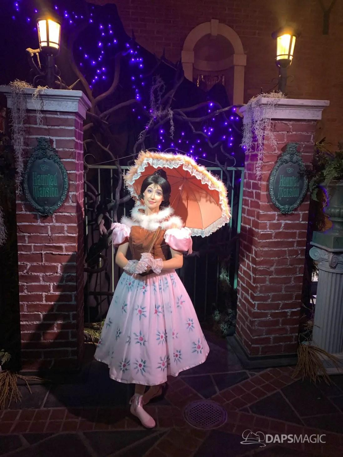 Tightrope Walker - Happy Haunts at Disneyland Halloween Time 2019-2