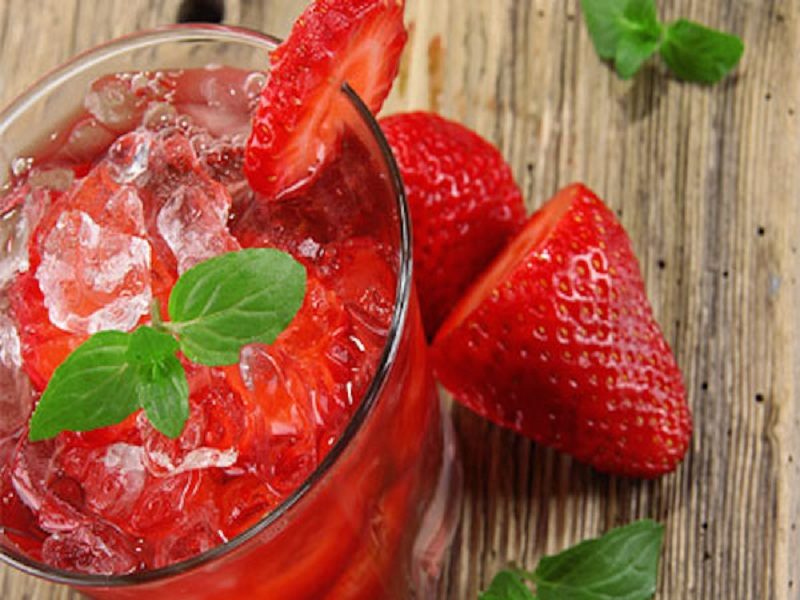 Resep Es Strawberry simple dan segar