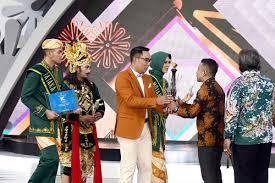 Gubernur Jabar Ridwan Kamil, FFB harus di Bandung. (foto:humas Pemprov Jabar)