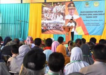 Plh. Gubernur Jawa Barat, Uu Ruzhanul Ulum, membuka Muswil Ipkindo DPW Jabar, di kantor Dinas Kehutanan Jabar, Kota Bandung. Foto: Humas Jabar