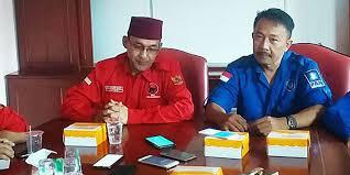 Ketua DPD PAN Kabupaten Bandung Irman Wargadinata dan Ketua DPC PDIP Harjoko Sangganagara. (Foto : RMolJabar)