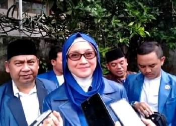 Ketua DPW PAN Jabar Hj.Desy Ratnasari, M.PSi, MSi saat melakukan kunjungan ke DPD PAN Kabupaten Garut (Foto: Andre/dara.co.id)