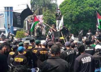 Organisasi Masyarakat Gerakan Reformis Islam (GARIS) Sukabumi Raya, gelar aksi solidaritas untuk Palestina (Foto: Riri Satiri/dara.co.id)